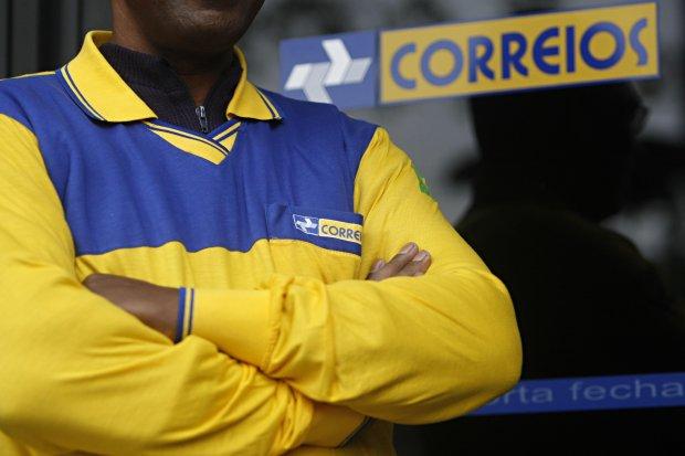 Correios lançam edital de concurso público com 88 vagas e salários de quase R$ 5 mil