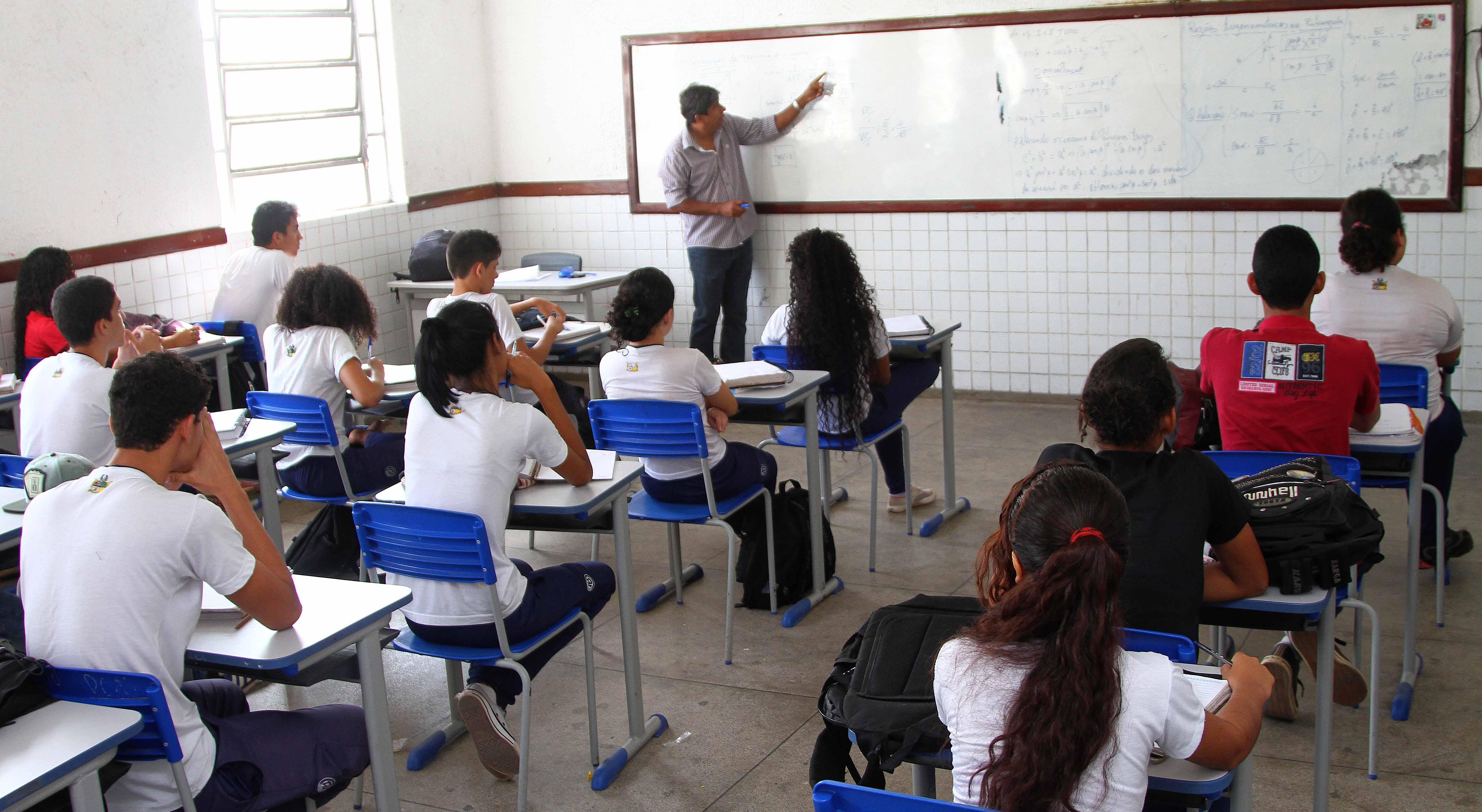 Concurso professor ma anunciado pelo governador para 2018 for Concurso profesor