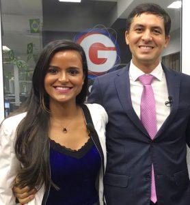 Stéphanie ao lado do professor do Gran Cursos Online Aragonê Fernandes, inspiração da aluna durante os estudos